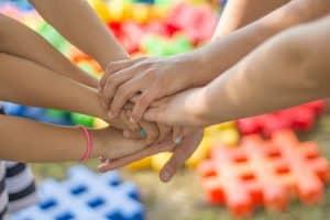 """ידיים יחד עו""""ד משפחה מומלץ"""
